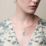 Minimalist wire collar